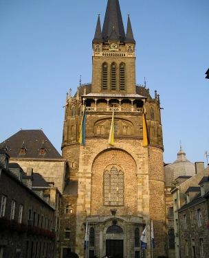 Westwerk des Aachener Doms