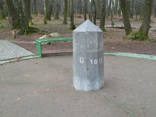 Grenzstein am Dreiländerpunkt